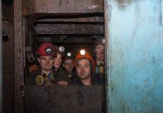 Gorlovka, Ukraine - 26. Februar 2014: Die Bergmänner des Bergwerkna Lizenzfreie Stockbilder