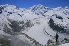 Gornergrat glaciär i de schweiziska fjällängarna Royaltyfri Bild