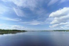 Gorodets, Rosja - Czerwiec 2 2016 Widok górne Gorodetsky bramy Volga rzeka Obrazy Royalty Free