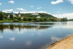 Gorokhovets, região de Vladimir O rio de Klyazma e o Puzhalova mo Fotos de Stock Royalty Free