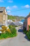 Gorran-Hafen - Cornwall - Straßen-Ansicht Lizenzfreies Stockfoto