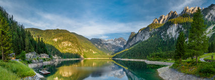 Gosausee, Áustria - panorama Fotos de Stock Royalty Free