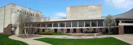 Goshen szkoły wyższa Muzycznego centrum panorama, wiosna Obrazy Stock