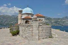 Gospa Od Skprjela en de eilanden Montenegro van Sveti Djordje Stock Fotografie
