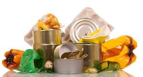 Gospodarstwo domowe odpady, grat odizolowywający na bielu zdjęcie stock