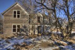 Gospodarstwo rolne domu Zaniechani gnicia zapominający w wiejskim Południowym Dakota obrazy royalty free