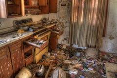 Gospodarstwo rolne domu Zaniechani gnicia zapominający w wiejskim Południowym Dakota zdjęcie royalty free