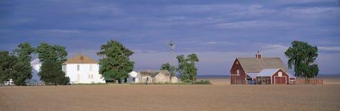 Gospodarstwo rolne przy Zmierzchem, fotografia stock