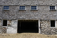 Gospodarstwo rolne: stara stajni piwnica fotografia stock
