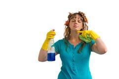 Gospodyni domowa jest zmęczona cleaning, ona karmi up cleaning Fotografia Stock