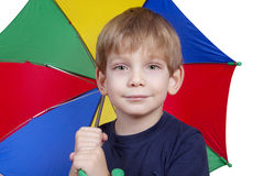 Gosse avec un parapluie Photo libre de droits