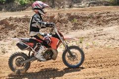 Gosse de motocross image libre de droits