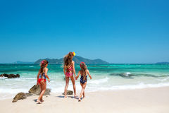 Gosses à la plage Images libres de droits