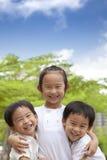 gosses asiatiques heureux Images libres de droits