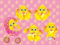 Gosses de filles d'un lapin sur un fond rose Images stock