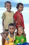 Gosses drôles et heureux de la Papouasie Image stock