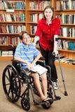 Gosses handicapés à l'école Image stock