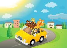 Gosses, véhicule et route Photo stock