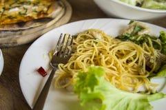 Gosto com fome do jantar do almoço do carbonara dos espaguetes da pizza do alimento Fotos de Stock