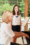 Głosu młody żeński uczeń Zdjęcia Stock