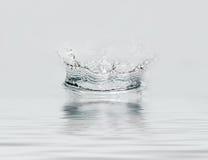Gota congelada da água. Imagens de Stock