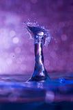 Gota da água do ar meados de e colisão do respingo Fotos de Stock Royalty Free