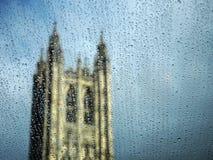 Gota da água sobre a textura de vidro imagem de stock royalty free