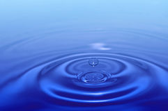 Gota del agua del chapoteo fotografía de archivo
