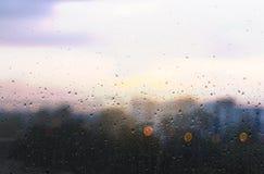 Gota del agua sobre el vidrio Imagen de archivo libre de regalías