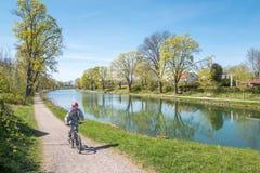 Gota kanal under våren i Sverige Arkivfoto