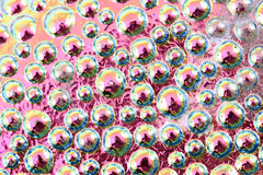 gotas abstratas do arco-íris da água no vidro Imagem de Stock