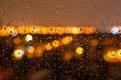 Gotas da chuva da noite na janela Fotos de Stock Royalty Free