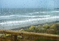 Gotas da chuva em uma janela Imagem de Stock Royalty Free