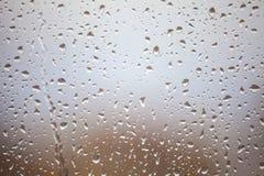 Gotas da chuva no vidro de janela Fotografia de Stock Royalty Free