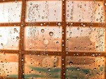 Gotas de água no indicador fotos de stock