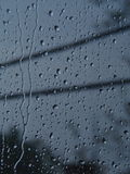 Gotas de agua en ventana Fotos de archivo