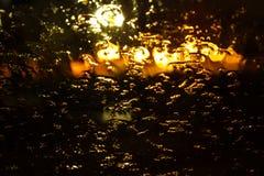 Gotas de agua sobre el vidrio Otoño del abatimiento del dolor de la tristeza Imagen de archivo