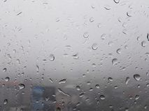 Gotas de lluvia en ventana Fotos de archivo