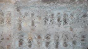 gotas de lluvia en ventana clara metrajes