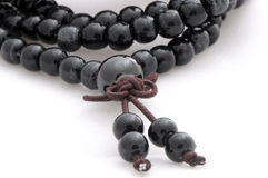 Gotas de rezo budistas de piedra negras Fotos de archivo libres de regalías
