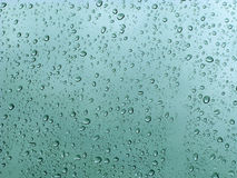 Gotas del agua Imágenes de archivo libres de regalías