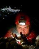 Gotas del agua en la cueva Fotos de archivo