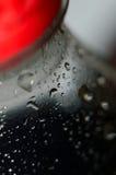 Gotas em uma garrafa da soda Imagem de Stock Royalty Free