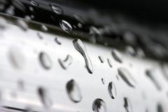 Gotas no cromo fotografia de stock