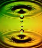 Gotas simétricas del agua Fotos de archivo libres de regalías