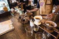 Gotejamento do café Imagens de Stock