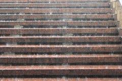Goteo de la lluvia en las escaleras imagen de archivo libre de regalías