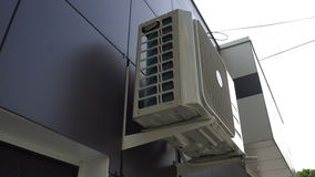 Goteo del agua del acondicionador de aire metrajes