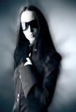 goth太阳镜妇女 免版税库存图片