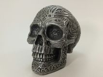 Goth celta preto de prata do cinzeiro do crânio gótico Imagens de Stock